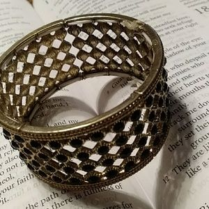 Jewelry - Adorable stretch braclet!